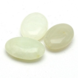 New Jade kraal ovaal 18x13 mm (3 st.)