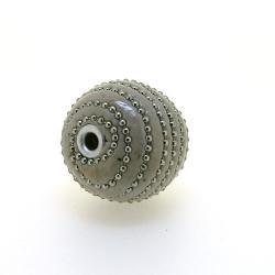 Kashmiri kraal, rond, off white, groot rijggat, 26 mm (1 st.)
