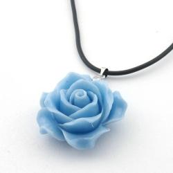 Leren ketting met rooshanger, babyblauw (1 st.)