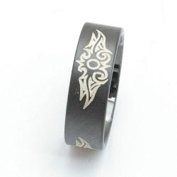 Ring, zwart met tribal, zilver, maat 19 (1 st.)