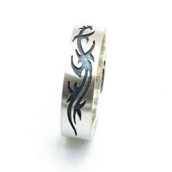 Ring, zilver met zwarte tribal, maat 22 (1 st.)