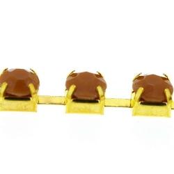 Cupchain goud strass bruin 6mm (1 mtr.)